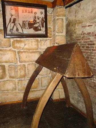 Museum of Medieval Torture Instruments: Spanish donkey