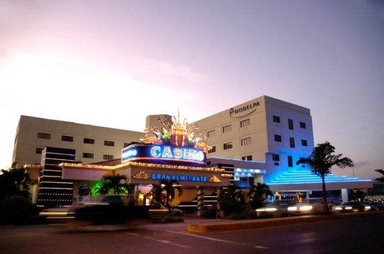 Hodelpa Gran Almirante Hotel & Casino