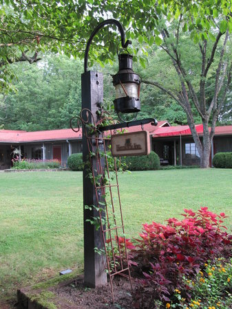 Hemlock Inn: Welcome to North Carolina
