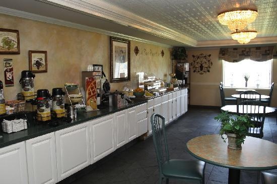 Quality Inn Marble Falls: Attractive Breakfast Room