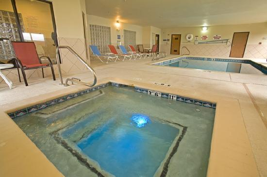 Comfort Suites: indoor pool and spa