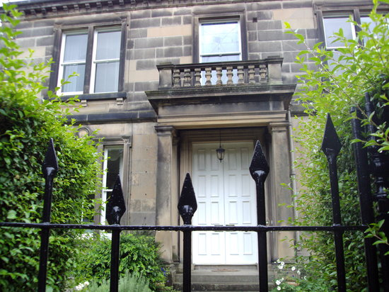 Photo of Number One Tipperlinn Road Edinburgh