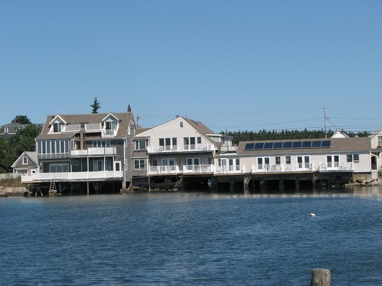 Tidewater Motel: View from the harbor
