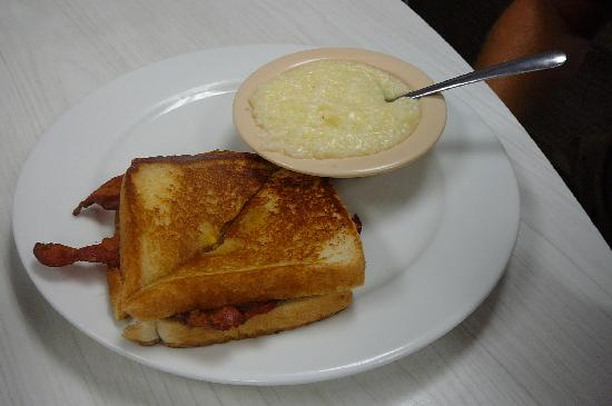 Eggs, grits & bacon - Picture of Rexall Grill, Duluth - TripAdvisor