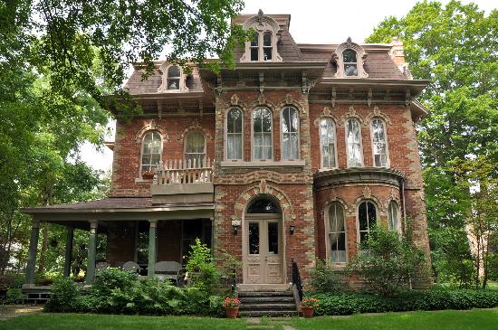 The Highland Manor in Owen Sound