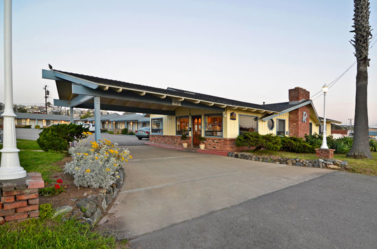 Welcome to the BEST WESTERN El Rancho in beautiful Morro Bay!
