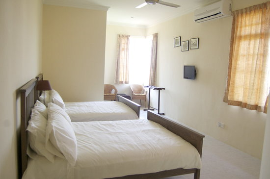Rumah Putih Bed and Breakfast: Family Room