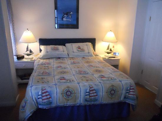 Lighthouse Inn Bed & Breakfast: Cape May bedroom