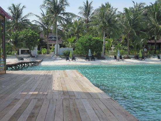 "<a href=""/Hotel_Review-g304002-d1557875-Reviews-Sari_Pacifica_Hotel_Resort_Spa_Lang_Tengah-Pulau_Lang_Tengah_Terengganu.html"">Sari Pacifica Hotel, Resort & Spa - Lang Tengah</a>: Pictures"