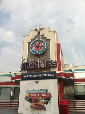 Silver Diner Incorporated: dine here!