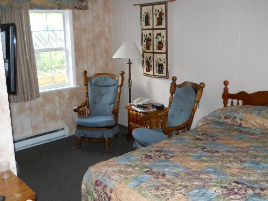 Blowing Rock Inn and Villas : Our room