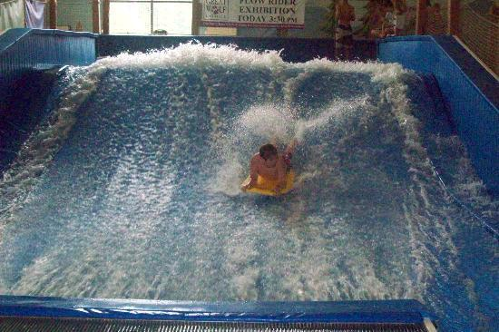 Great Wolf Lodge: Flow rider