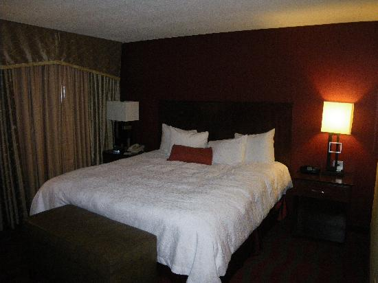 Hampton Inn & Suites - Paso Robles: Nice bedroom