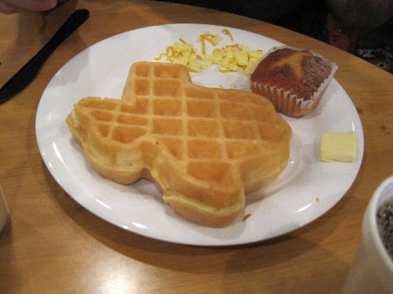 Crockett Hotel: Texas-shaped waffles!