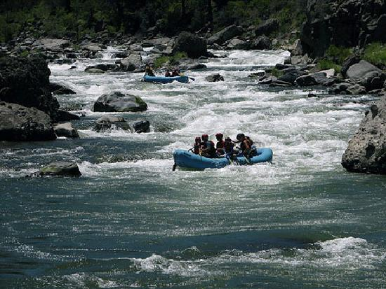 Tahoe Mountain Resort Lodging Iron Horse Lodge: River Rafting On The Truckee River