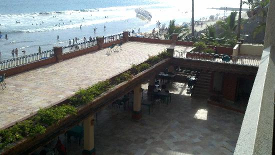 Hotel Playa Mazatlan: Where all the Noise came from...
