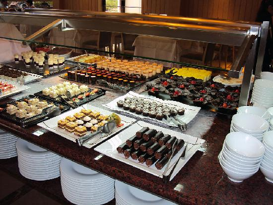 Protur Biomar Gran Hotel & Spa : Just part of the dessert table at dinner.