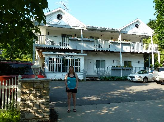 Fish Creek, WI: View of the Motel Front