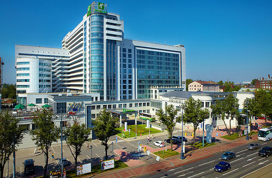 Holiday Inn St. Petersburg Moskovskye Vorota: newly built, located next to metro, modern rooms, 4 restaurants, night club, 2 bars