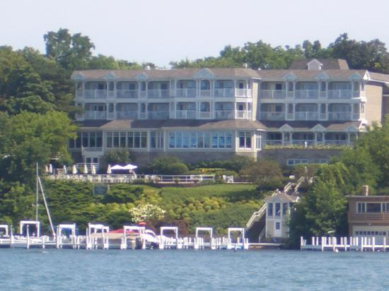 ‪‪Geneva Inn‬: The view of The Geneva Inn from our boat tour around the lake‬