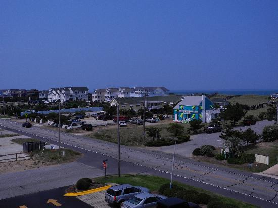 Travelodge Nags Head Beach Hotel/Outer Banks: View from 4th Floor Ocean View Room 2