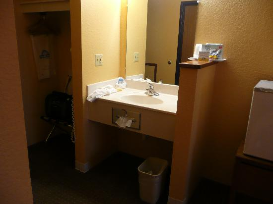 Days Inn Wall: Sink is across from the shower and toilet