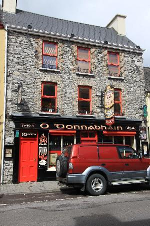 O'Donnabhain's Guesthouse B&B & Townhouses: front of the guesthouse on Henry St