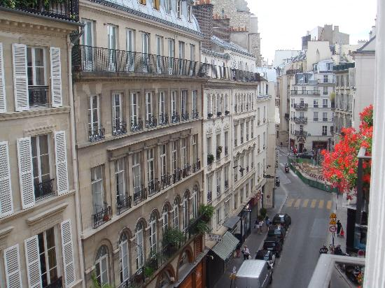 Hotel Saint Germain des Pres: View from the room