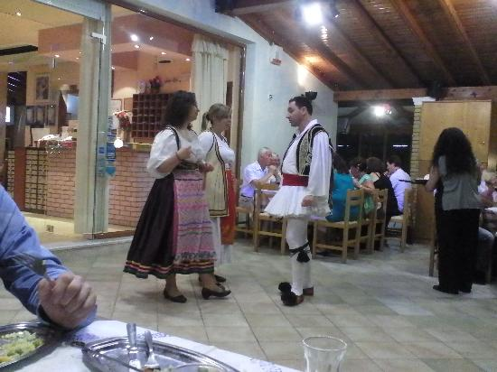 Roda, Greece: Greek Night