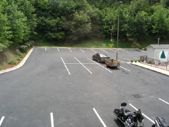 Sleep Inn: Parking lot - rear of building