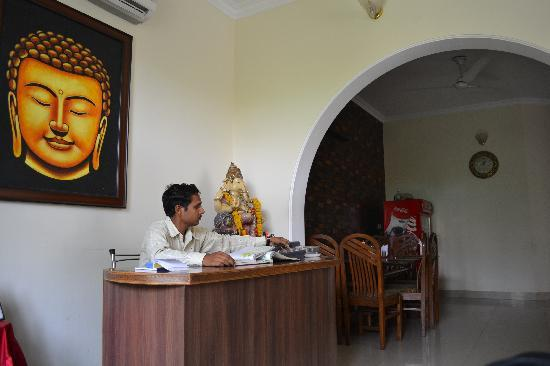 Taj Home Stay : The reception