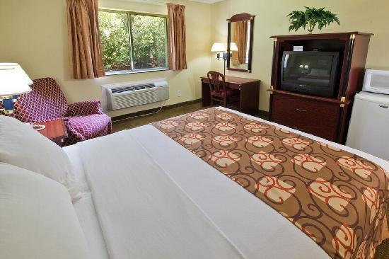 Country Hearth Inn Knightdale: Single Queen Non-Smking