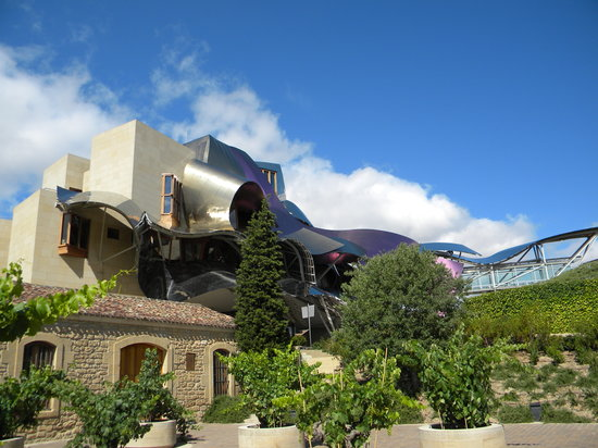 Hotel marqu s de riscal picture of bodegas marques de for Bodegas marques de riscal