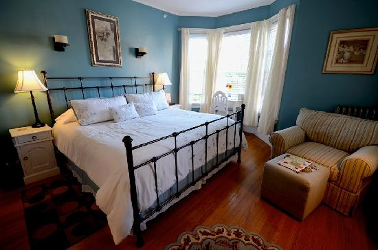 The Chadwick Bed &amp; Breakfast: The Chamberlain Room