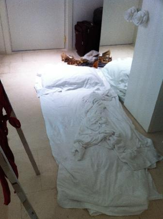 Boscolo Exedra Nice: This is where we had to sleep - on wet towels on the floor. No A/C and 30 degrees C in the room.