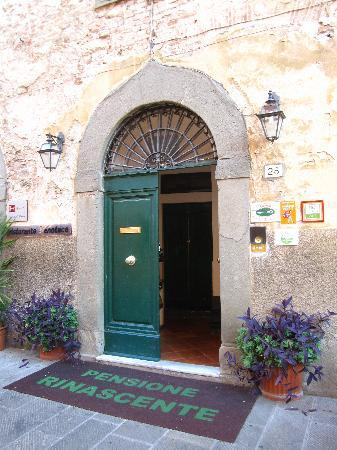 Pensione Rinascente: Front Entrance