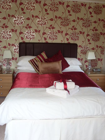 Bentley Lodge: Comfortable modern clean bedroom