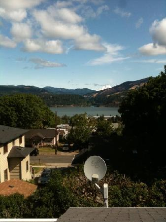 Hood River BnB: View from Mountain Room