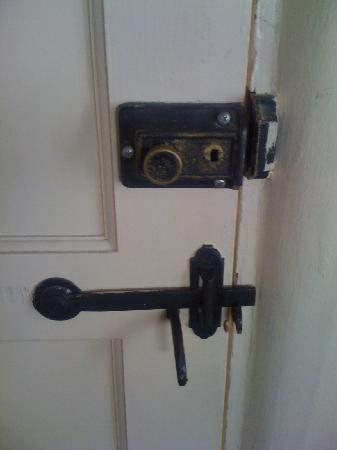 Happy Landing Inn: Original door hardware.  Very cool!