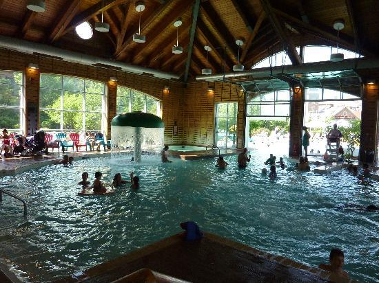 Westin Trillium House Blue Mountain : indoor/outdoor pool