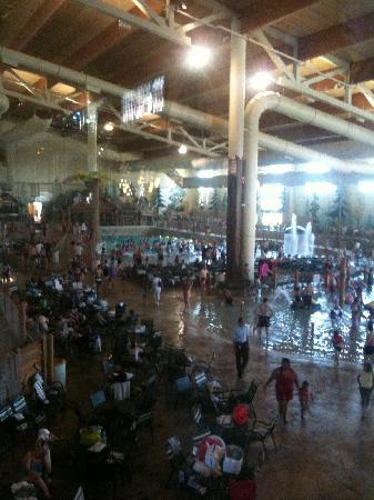 Grapevine, : indoor water park; view from lobby