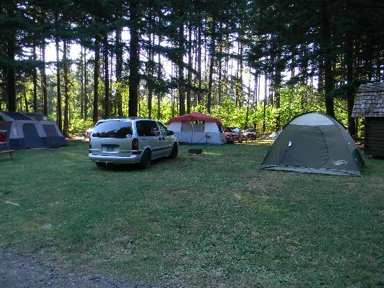 Cascade Locks KOA: tent sites