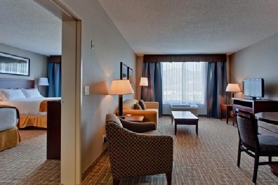 Holiday Inn Express Kelowna: 1 Bedroom Suite - 2 Queen Beds