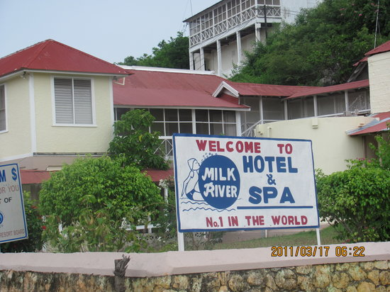 Milk River Hotel and Spa