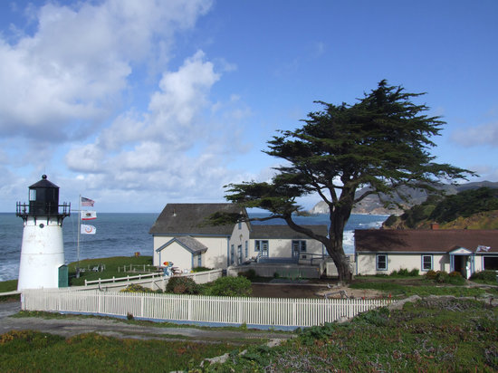 Photo of HI-Point Montara Lighthouse