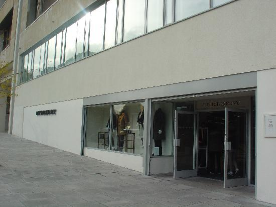 Burberry Outlet 2953 Chatham Place London E9 6LP England 02089853344