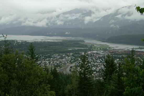 Sandman Hotel Revelstoke: Revelstoke from above