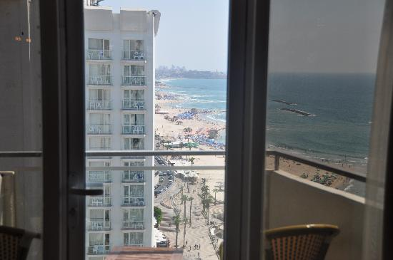 Herods Hotel Tel Aviv: the view from the room~