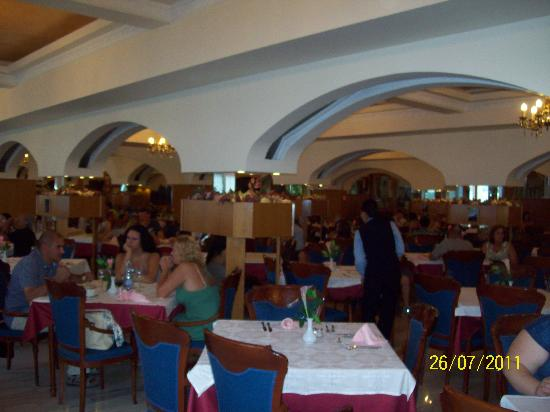 Hotel Comodoro: Dining room