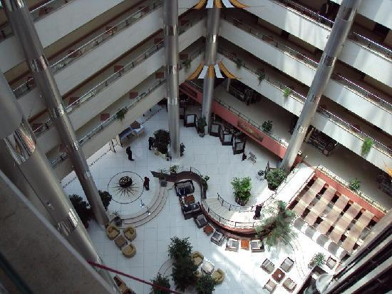Hotel Intercontinental: The atrium